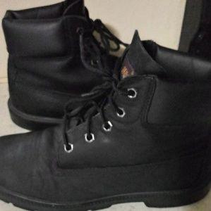 Black Leather Timberlands sz 5Timberlands sz 5